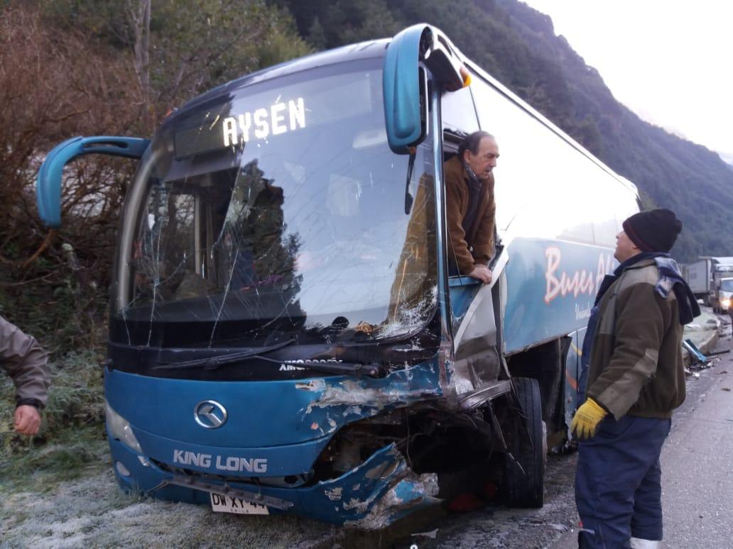 Varios lesionados deja accidente carretero en la ruta que une Aysén Coyhaique