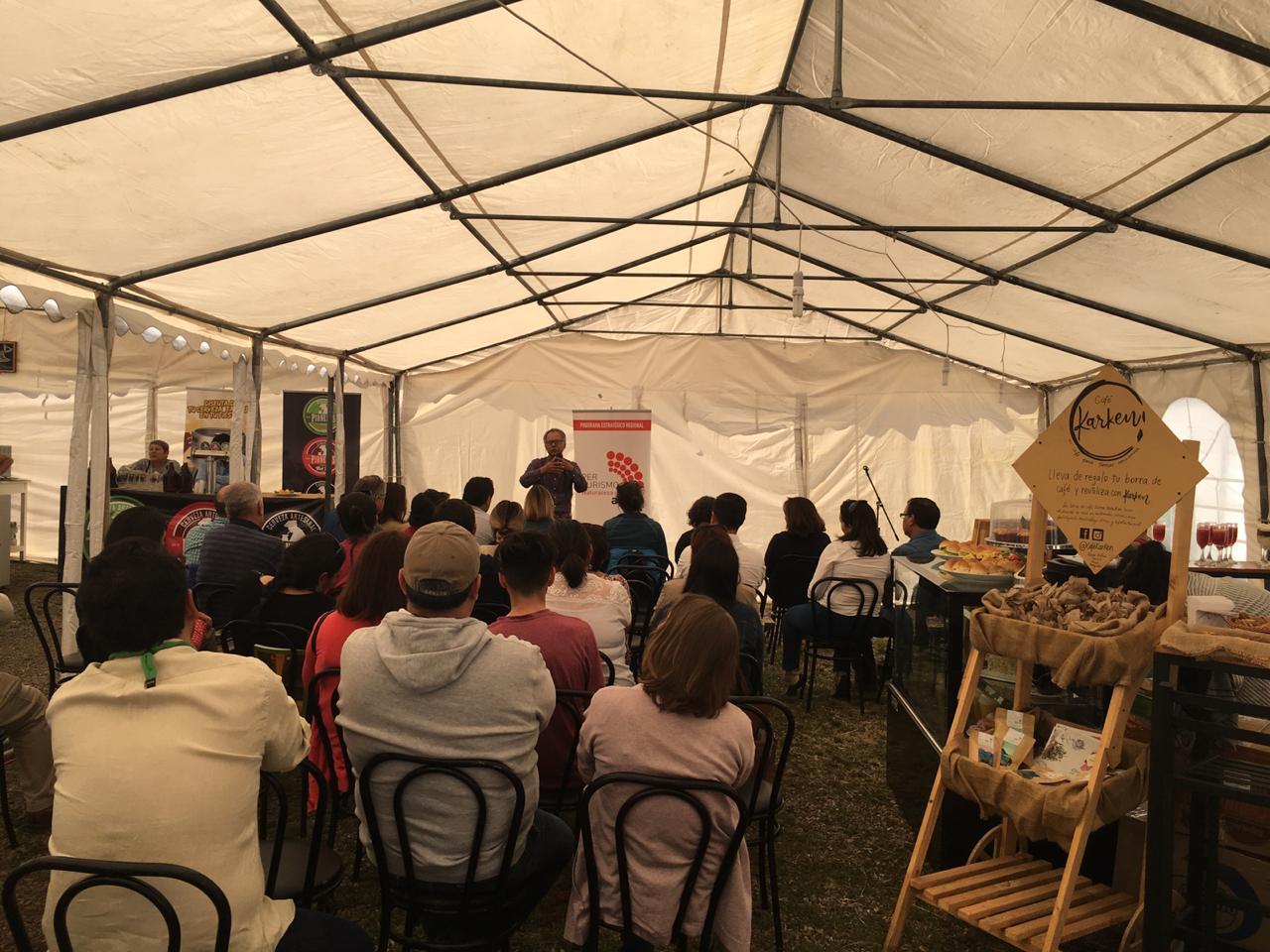 Seminario de Hospitalidad Turística se realizó en la ciudad de Coyhaique